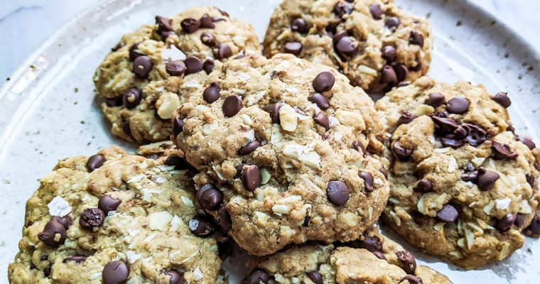 "Paleo ""Oatmeal"" Chocolate Chip Cookies (Top 8 Free & Coconut-Free)"
